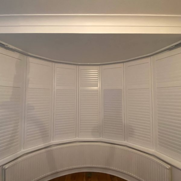 round bay window plantation shutters 1