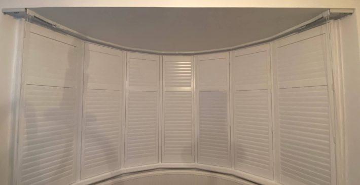round bay window plantation shutters 1